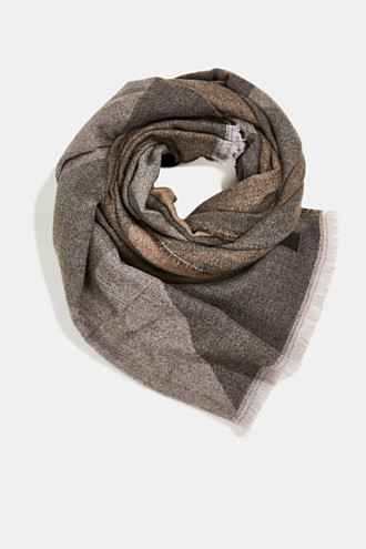 Recycled: Scarf with a woven pattern