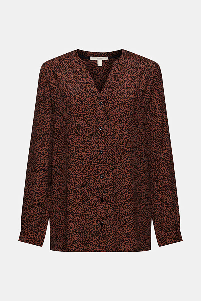 Crêpe blouse with an animal print