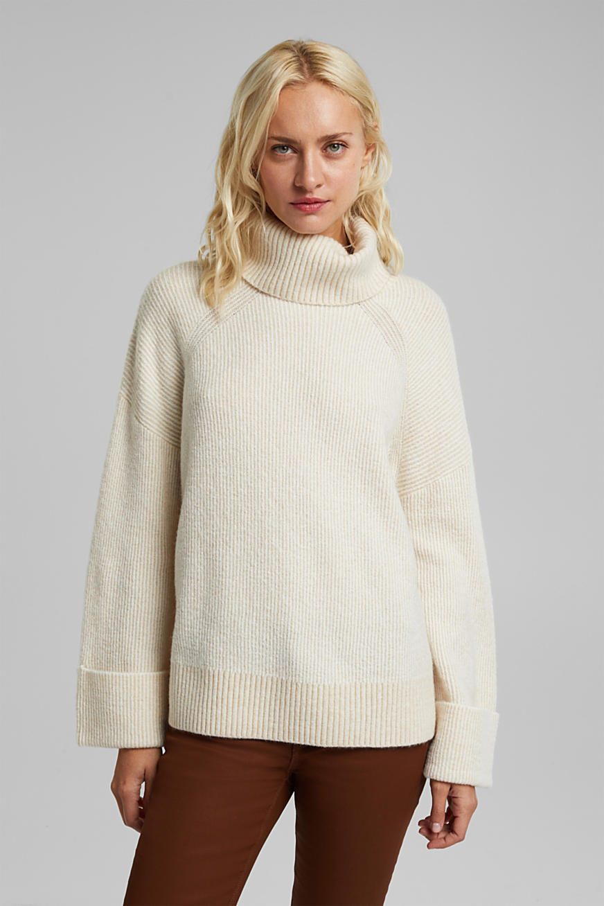 Wool blend: oversized jumper with a ribbed texture