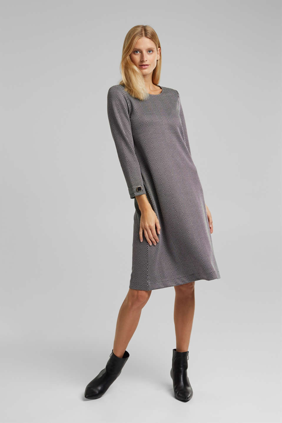 Esprit - Recycled: Dress with LENZING™ ECOVERO™