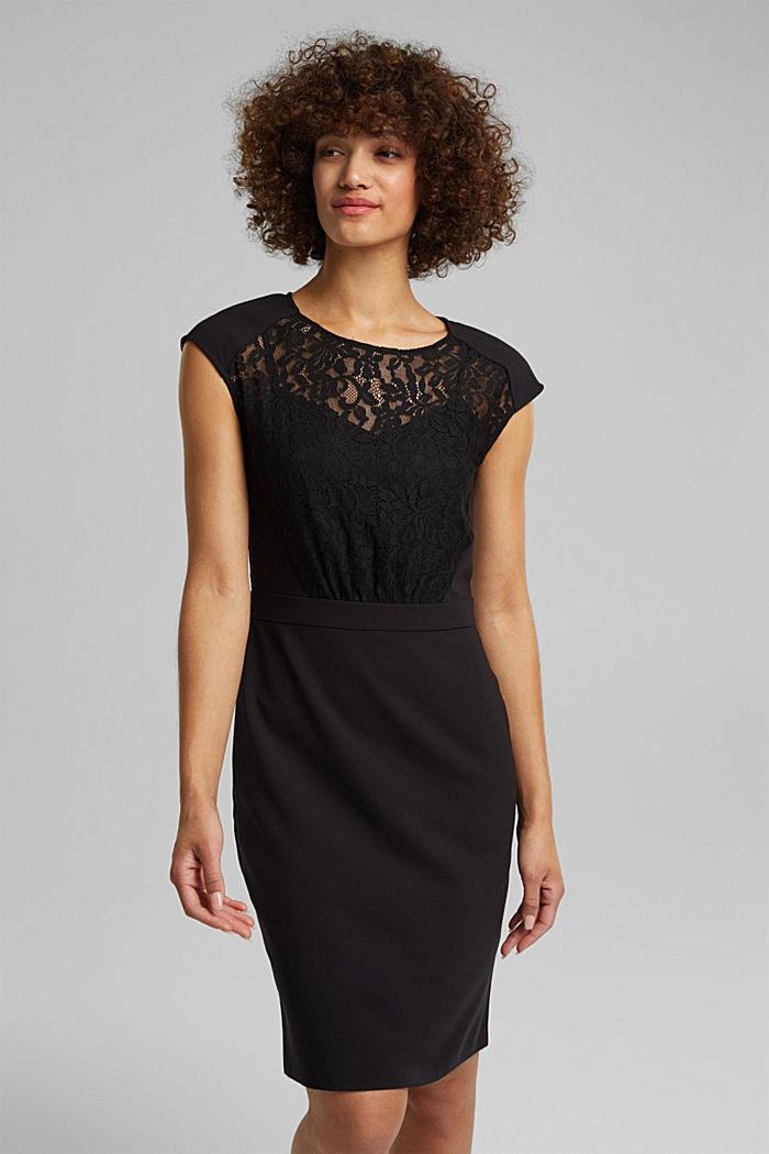 Recycelt: Kleid mit Spitzenoberteil