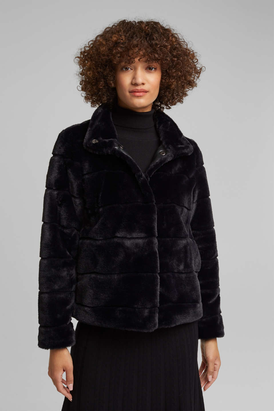 Esprit - Short faux fur jacket