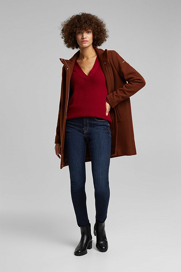 With cashmere: jumper with button details, DARK RED, detail image number 1