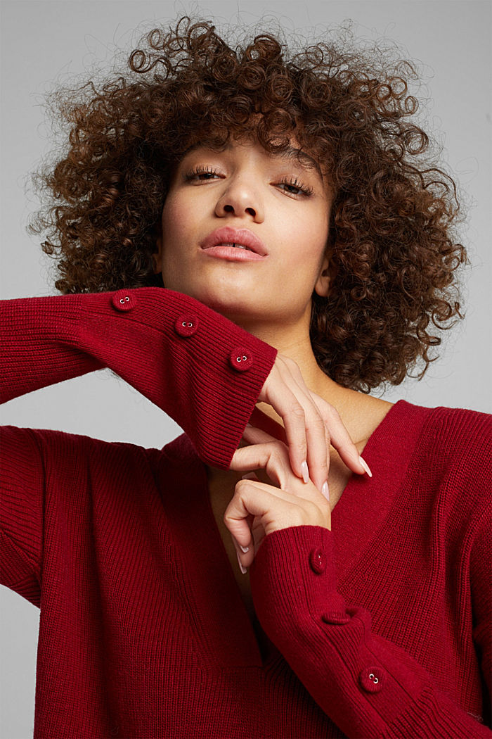 With cashmere: jumper with button details, DARK RED, detail image number 5