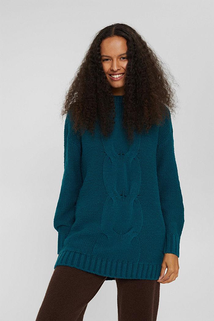 Mit Wolle: Pullover mit Zopfstrickmuster