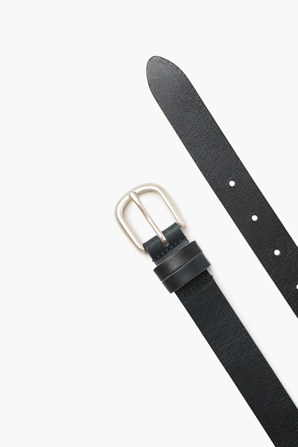 Your timeless fashion basic: this belt made of robust, smooth buffalo leather.