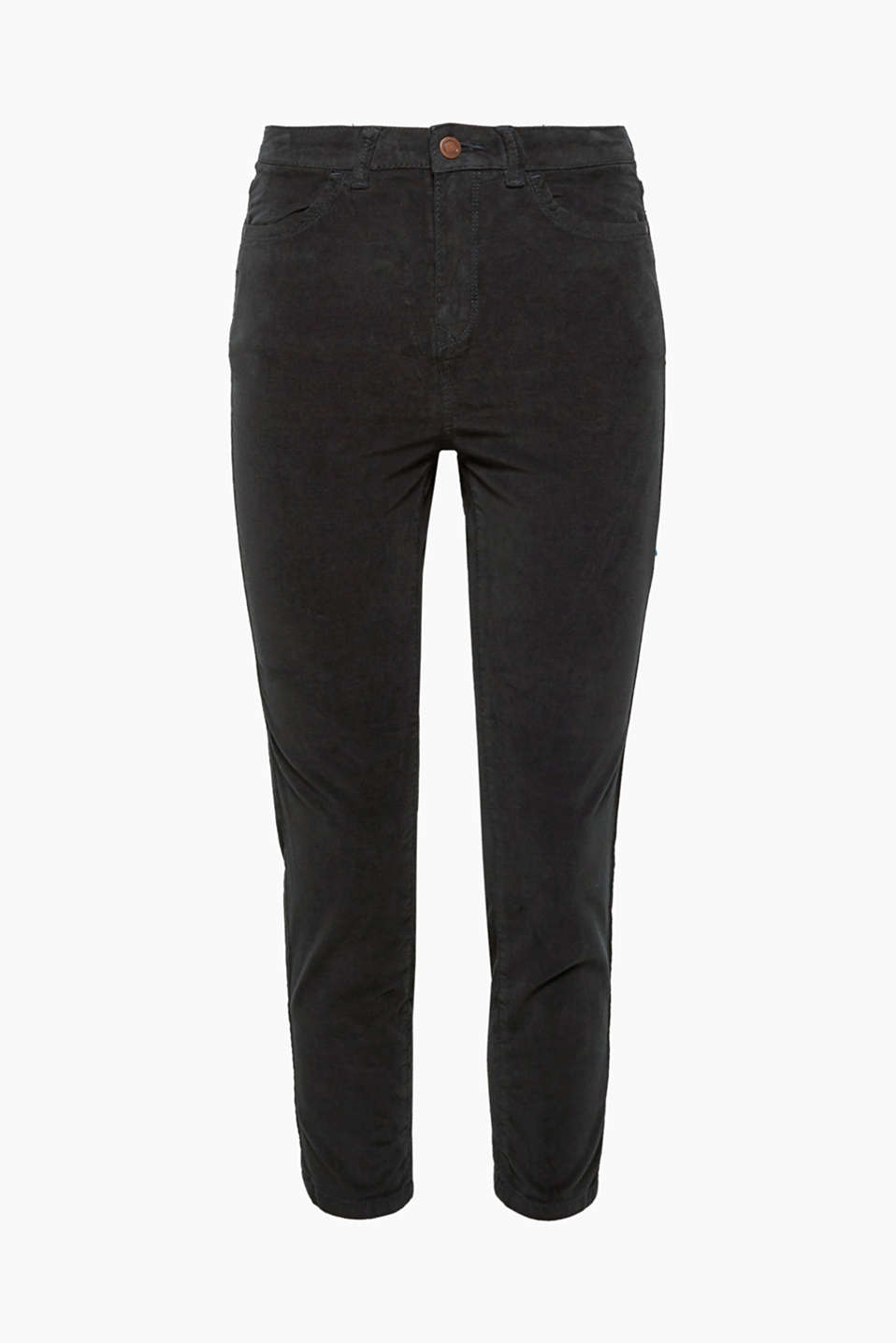 In the trend material of the season: fashionably cropped four pocket trousers in an exquisite stretchy velvet.