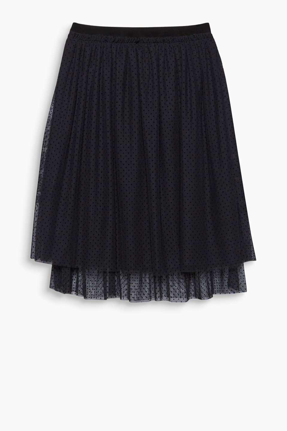 Romantic style is guaranteed! This pretty midi tulle skirt enchants with its fine polka dot pattern.