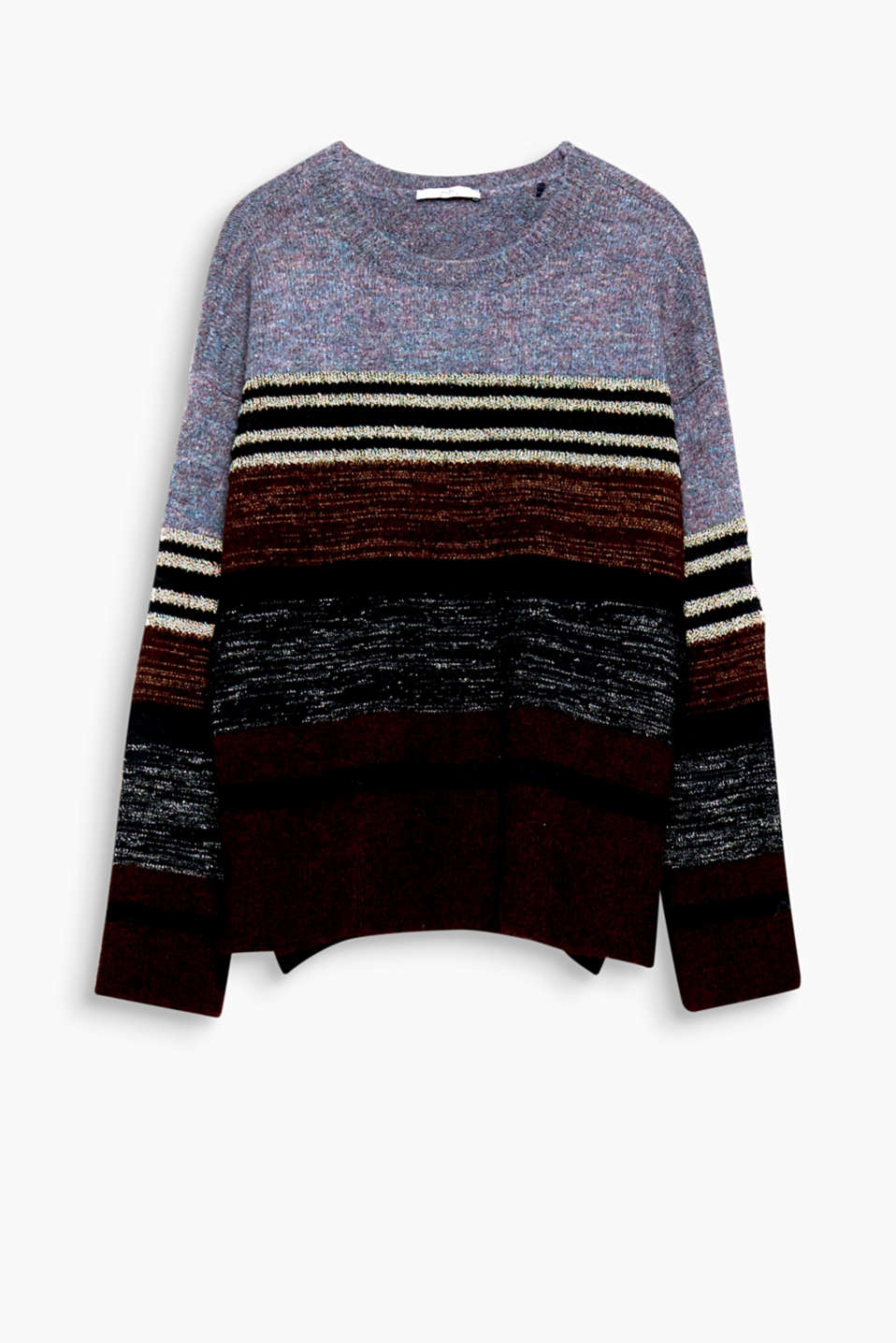 The uneven stripes with multi-coloured, shimmering lurex give this jumper its special look!
