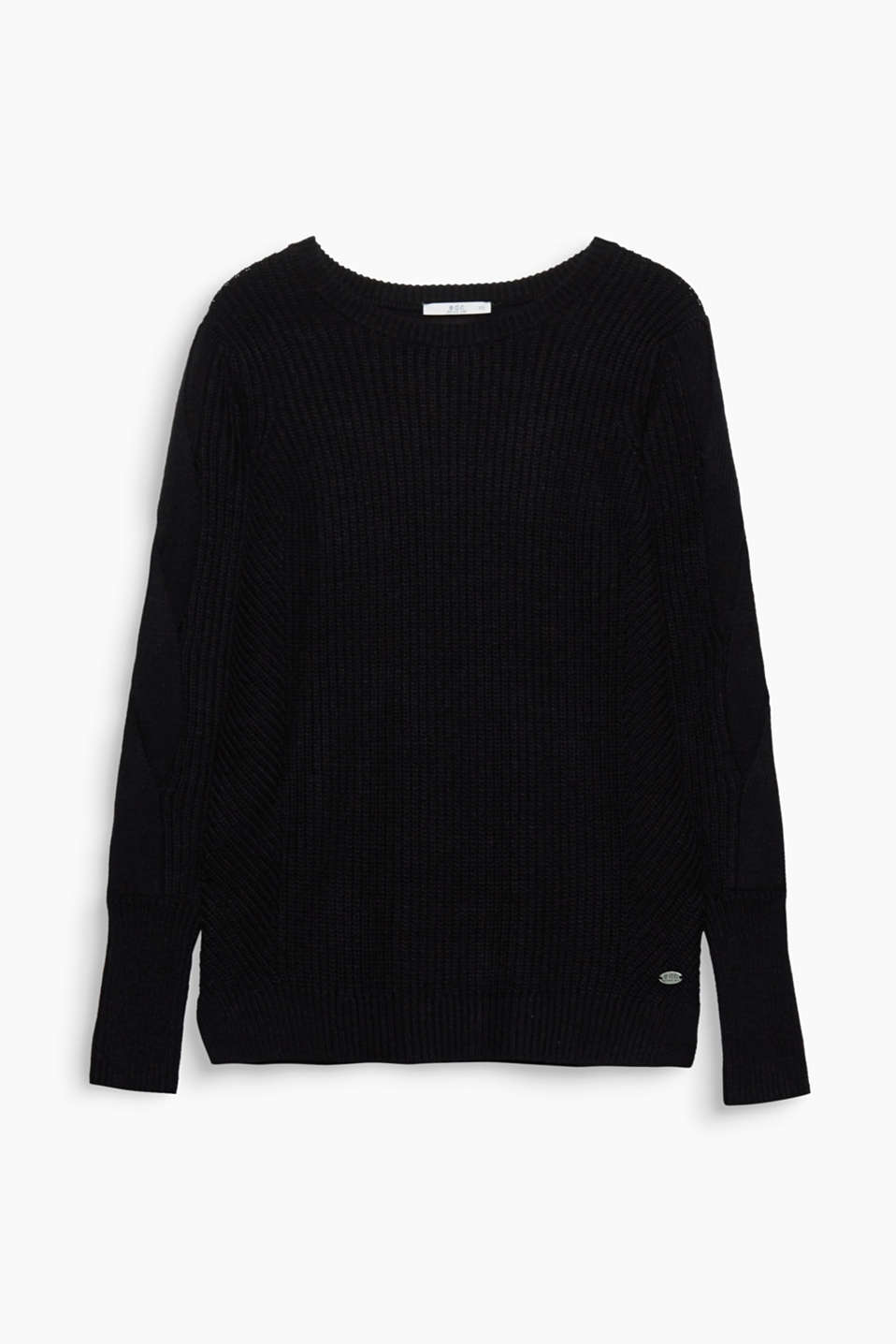 The cable pattern on the sleeves as well as mix of smooth and rib knit fabric give this jumper a trendy look.