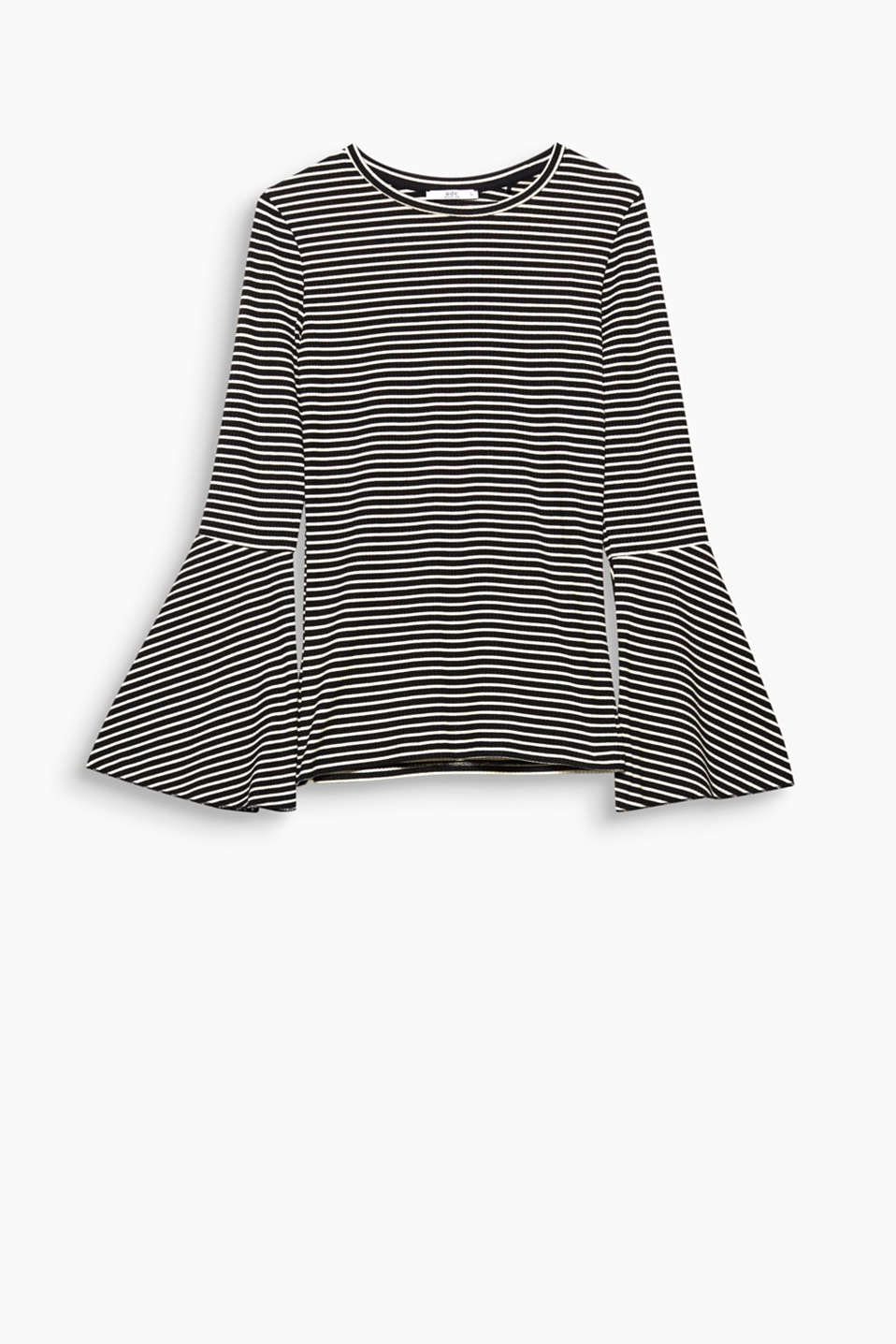 The combination of fine stripes and trumpet sleeves gives this top an extremely trendy look.
