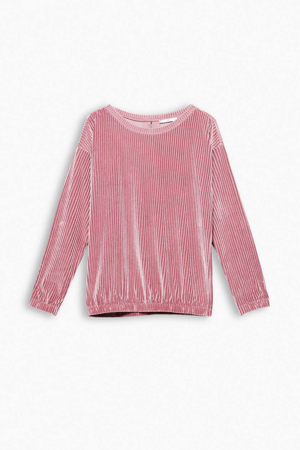The elegant velvet fabric in combination with the sporty ribbed texture gives this top an extremely trendy look.