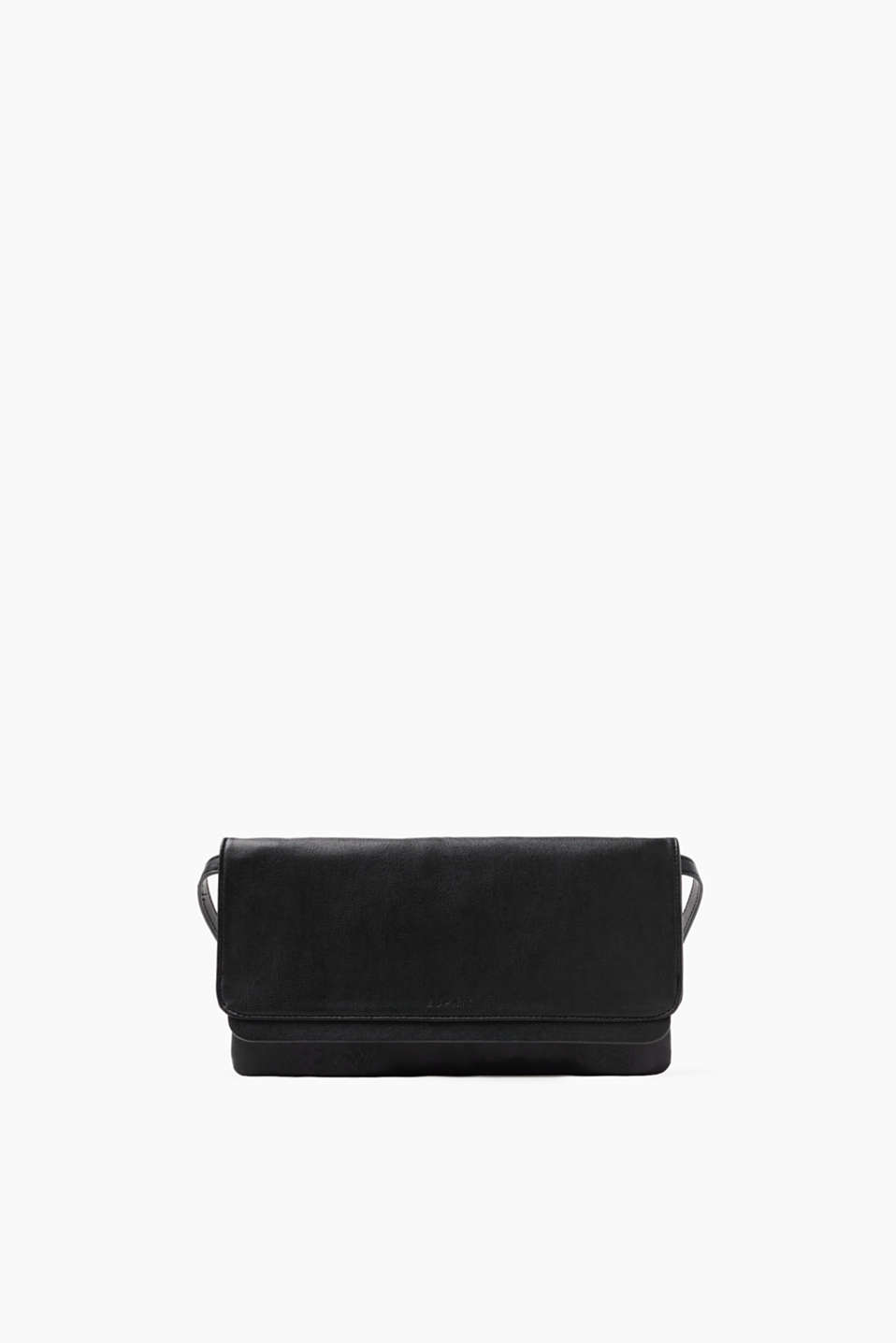Clutch or pochette: this bag adds the final timeless and elegant finishing touch to your eveningwear.