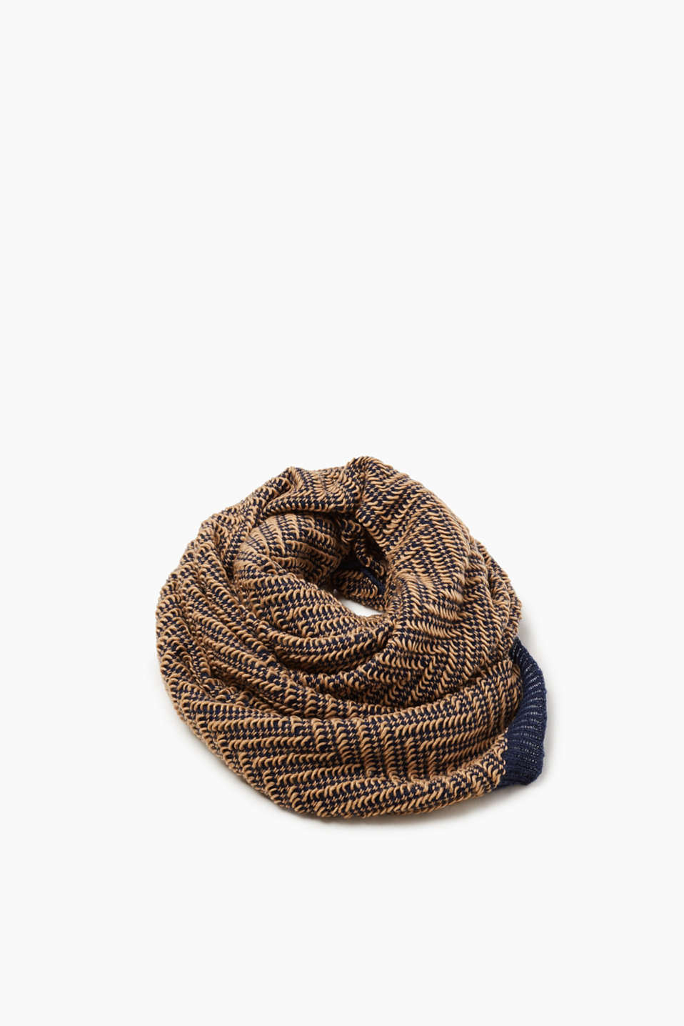 Esprit - XL scarf with knitted pattern