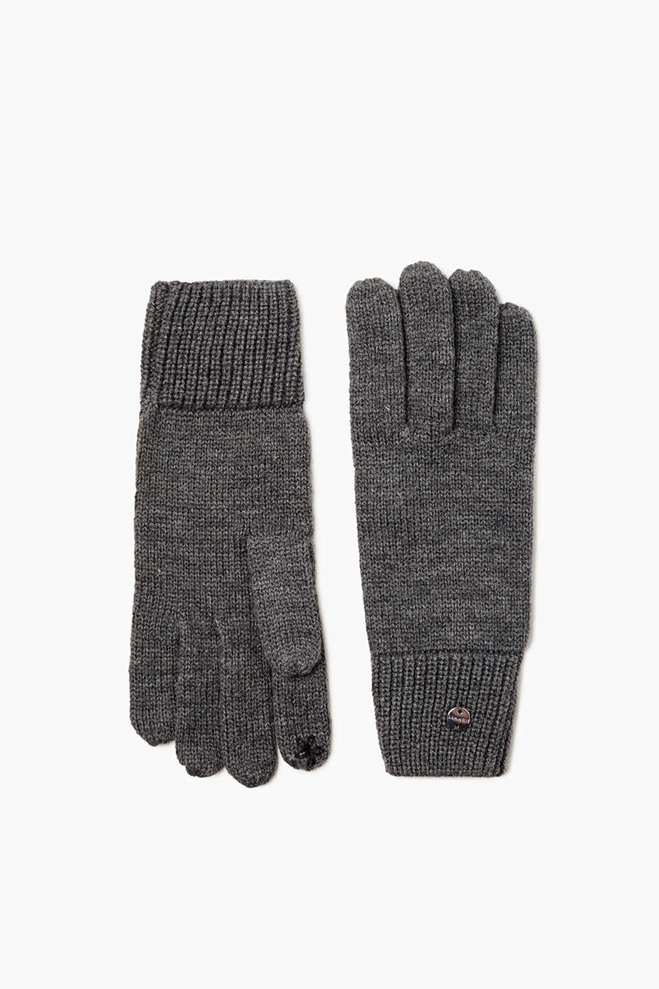 These fine-knit gloves are an absolute must-have for bitterly cold days!