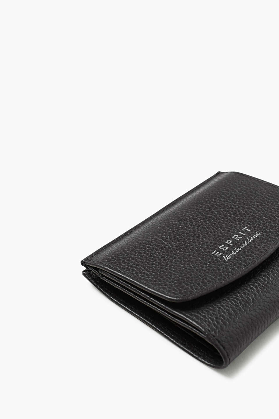 Compact purse in leather