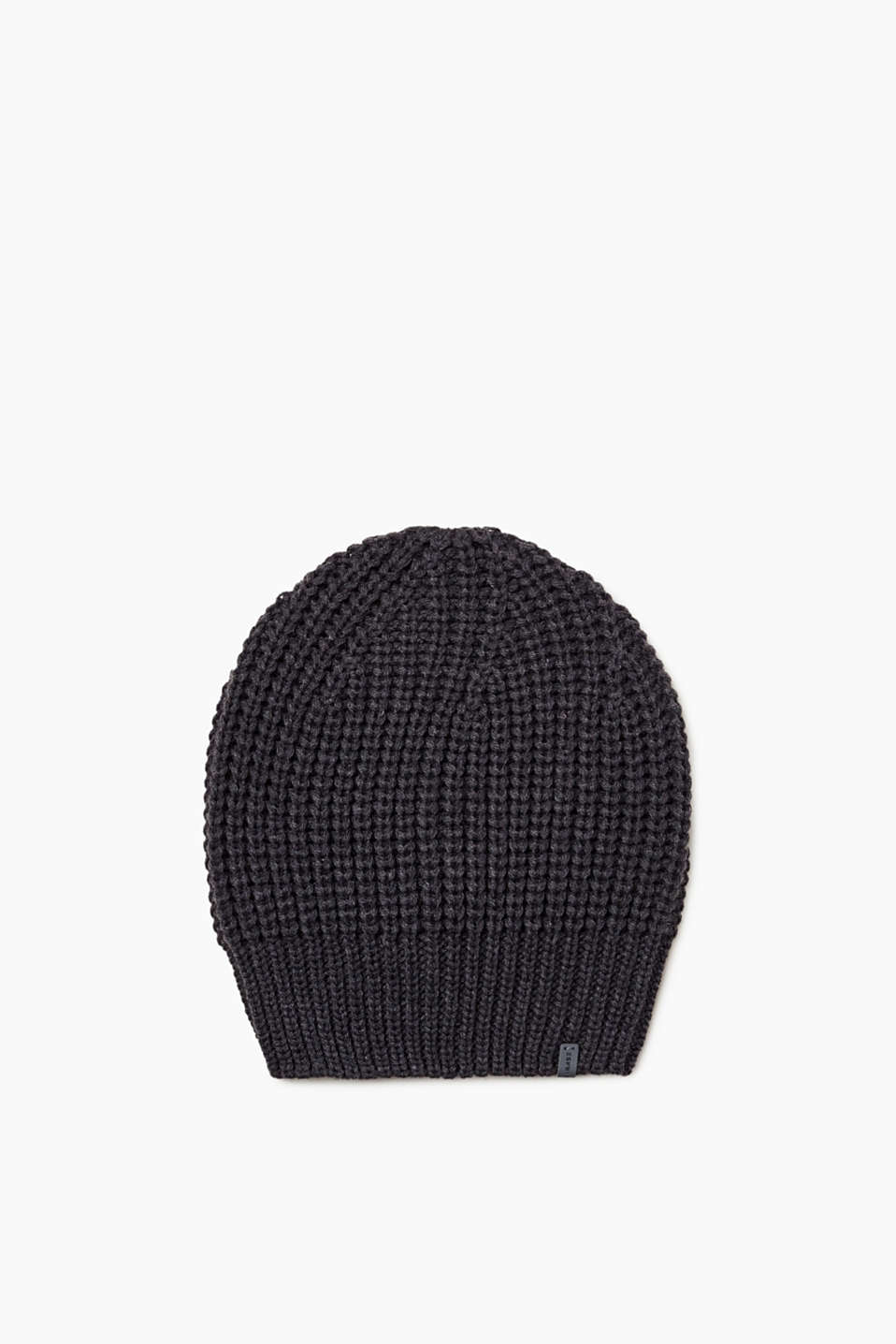 We love knitwear! This beanie featuring a classic knit pattern is no exception.