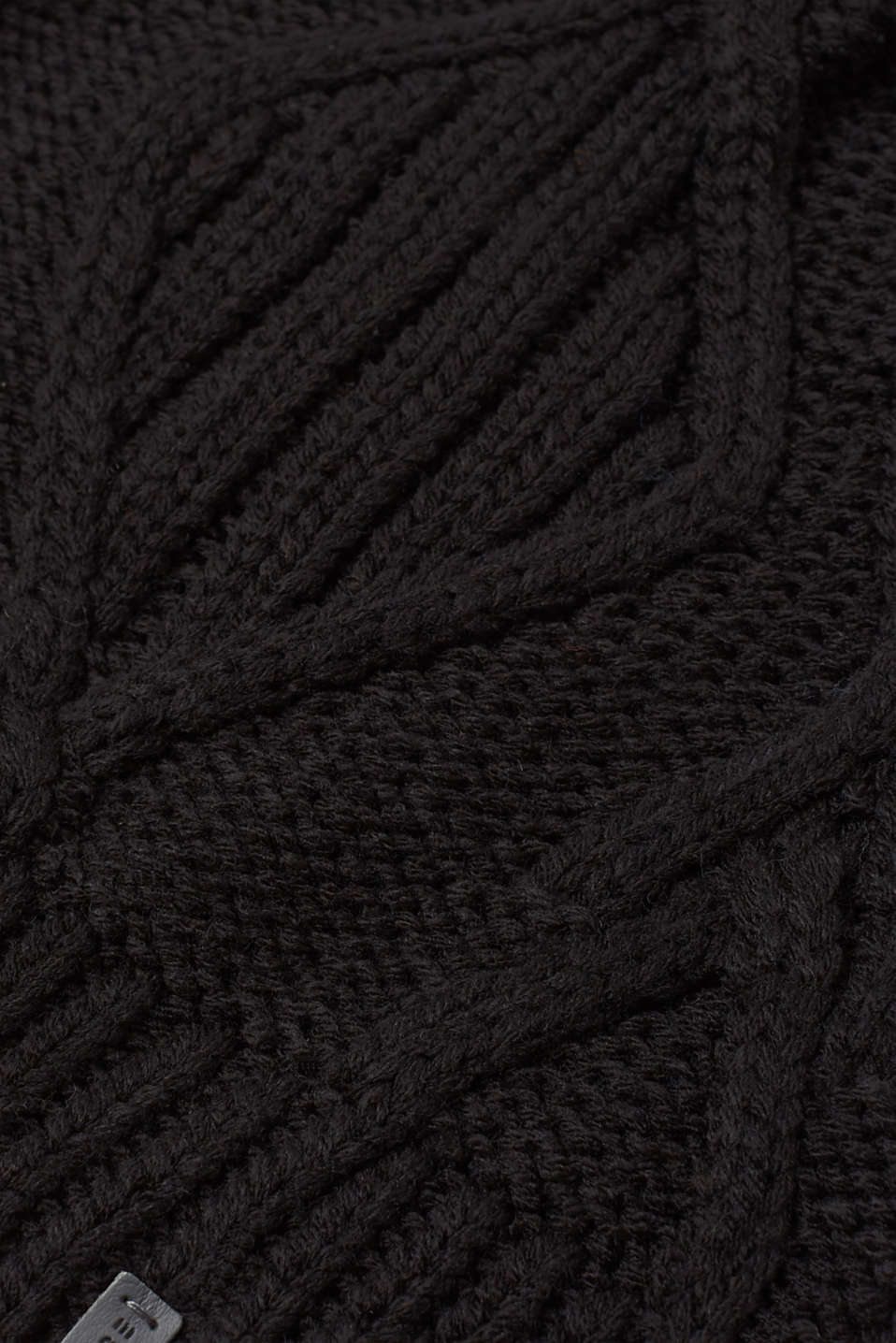 Knit beanie with a cable pattern