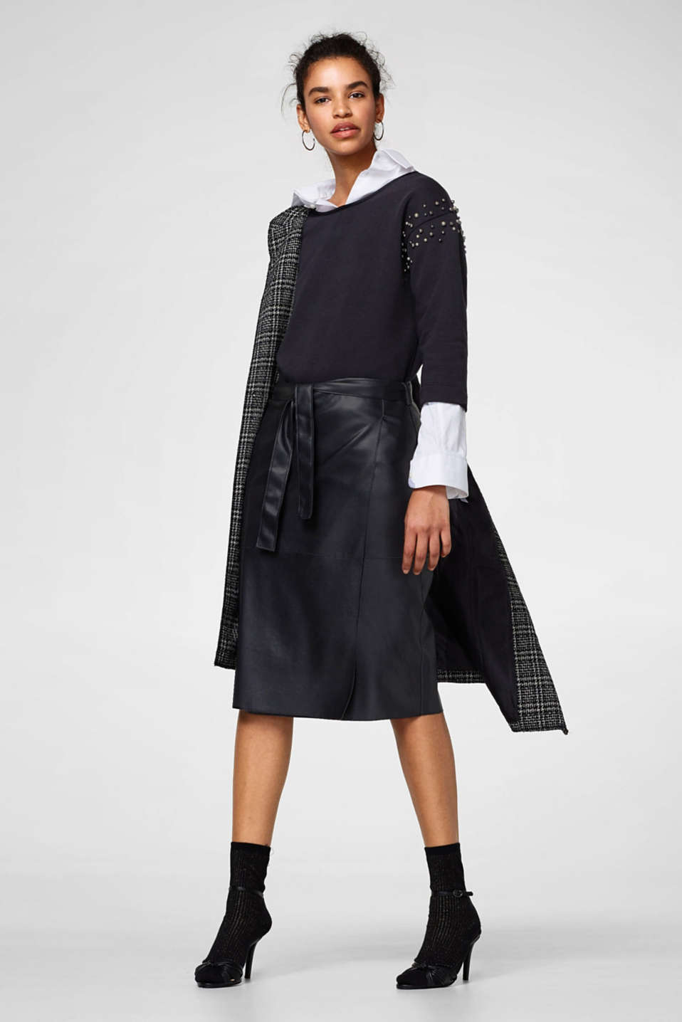 Wrap-over effect imitation leather skirt