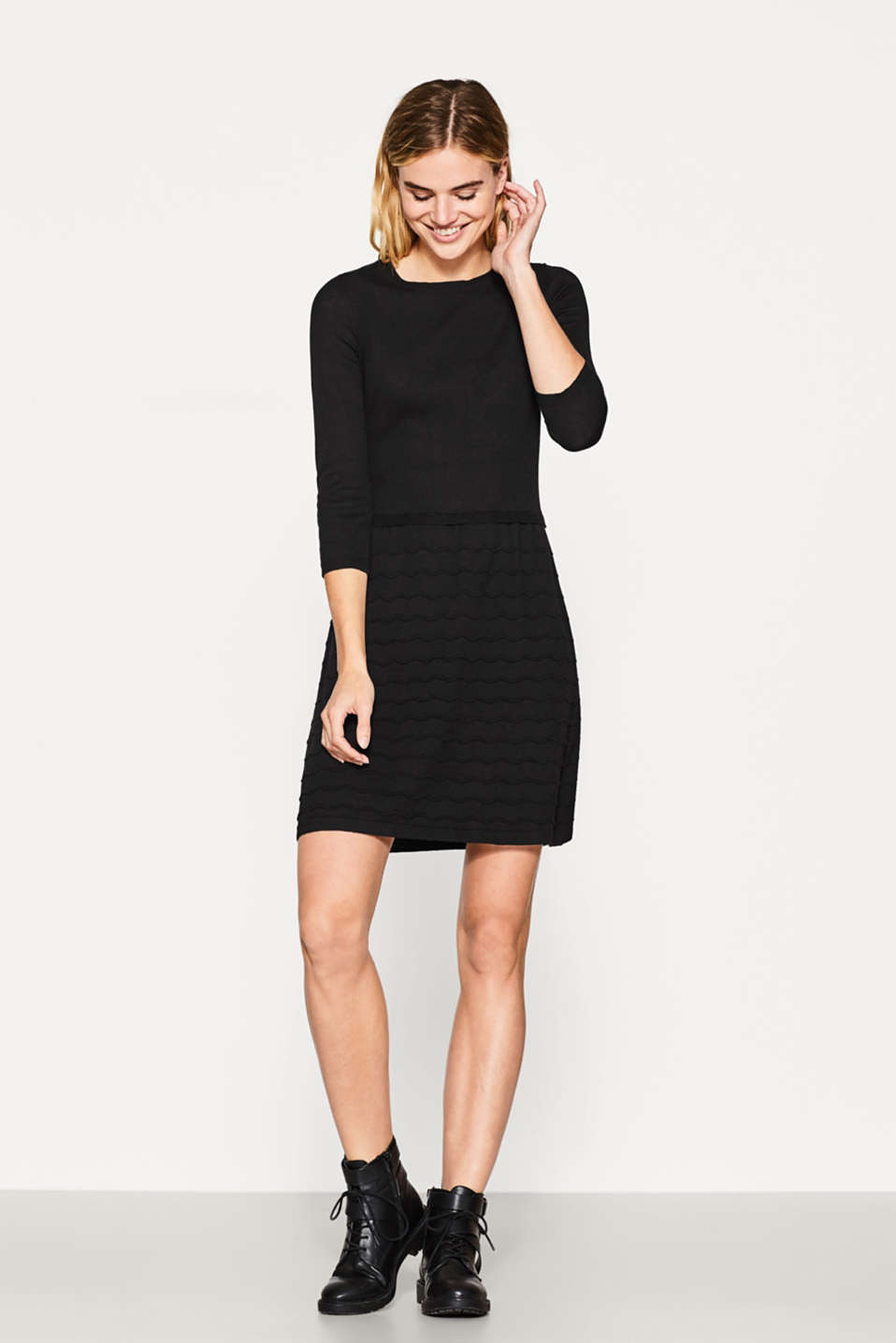 Esprit - Knitted dress in blended cotton