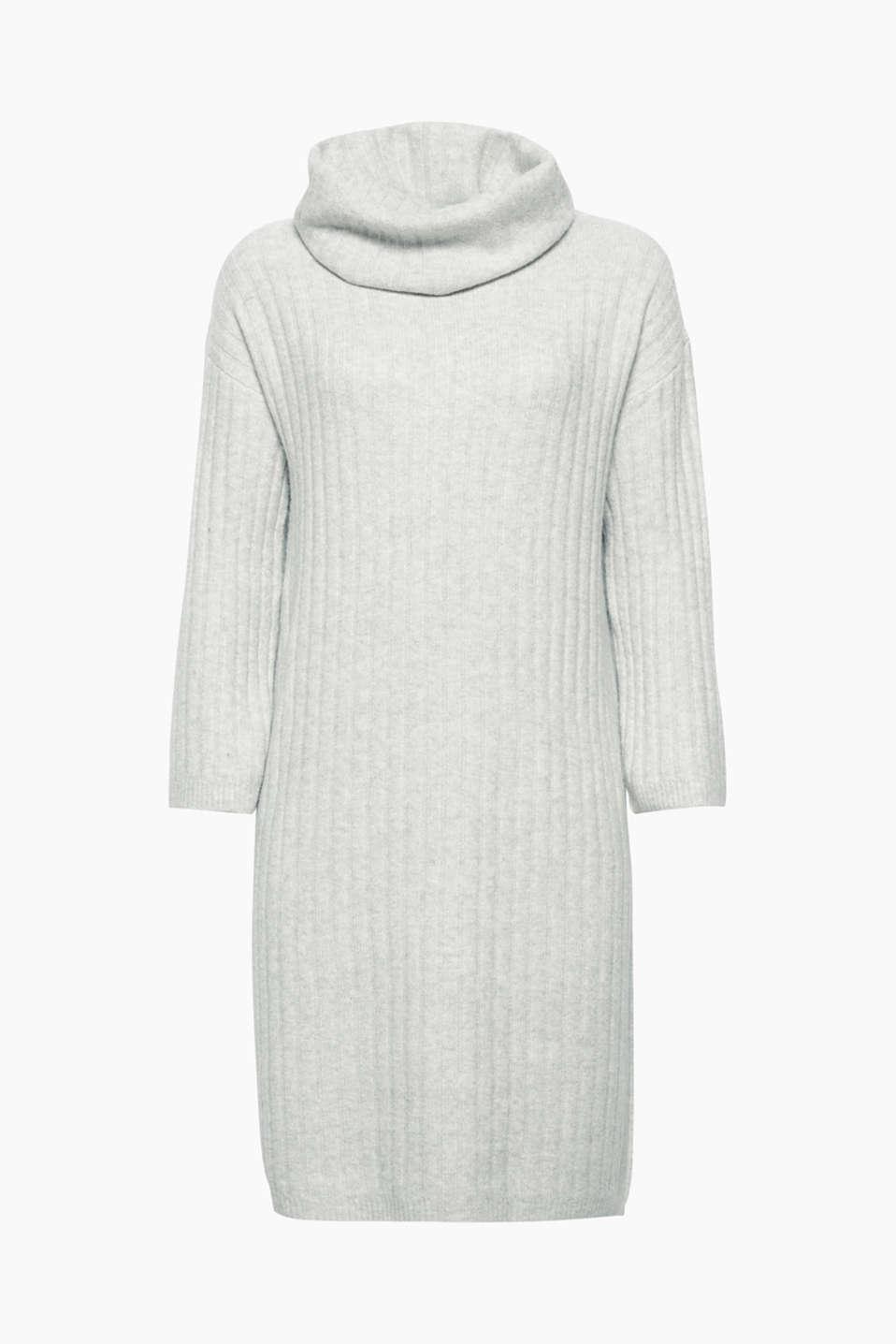 This super cool dress with a polo neck collar and 3/4 sleeves is made of sportily ribbed, melange yarn!