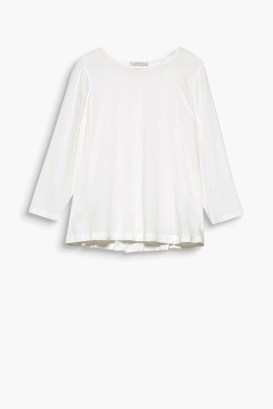Update your wardrobe basics with this pure viscose blouse featuring fine, inverted pleats.