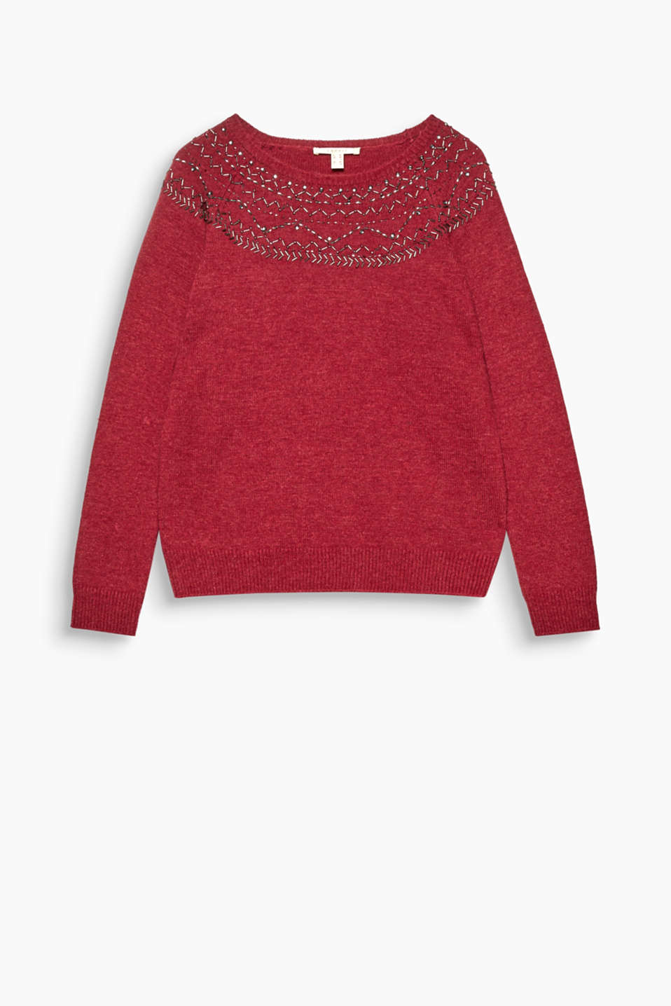 The delicate, decorative beading across the shoulders make this fine, knitted jumper a highlight for casual outfits.