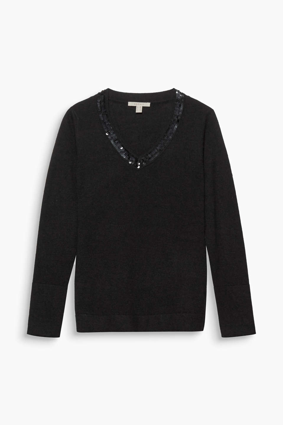 This jumper in soft blended wool is a highlight piece thanks to the sequin-embellished neckline.