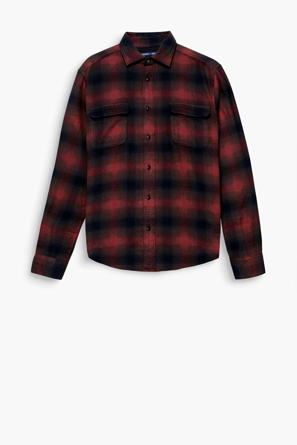 Whether you want a country look or a grunge vibe, this soft flannel shirt will be a favourite on cold days.