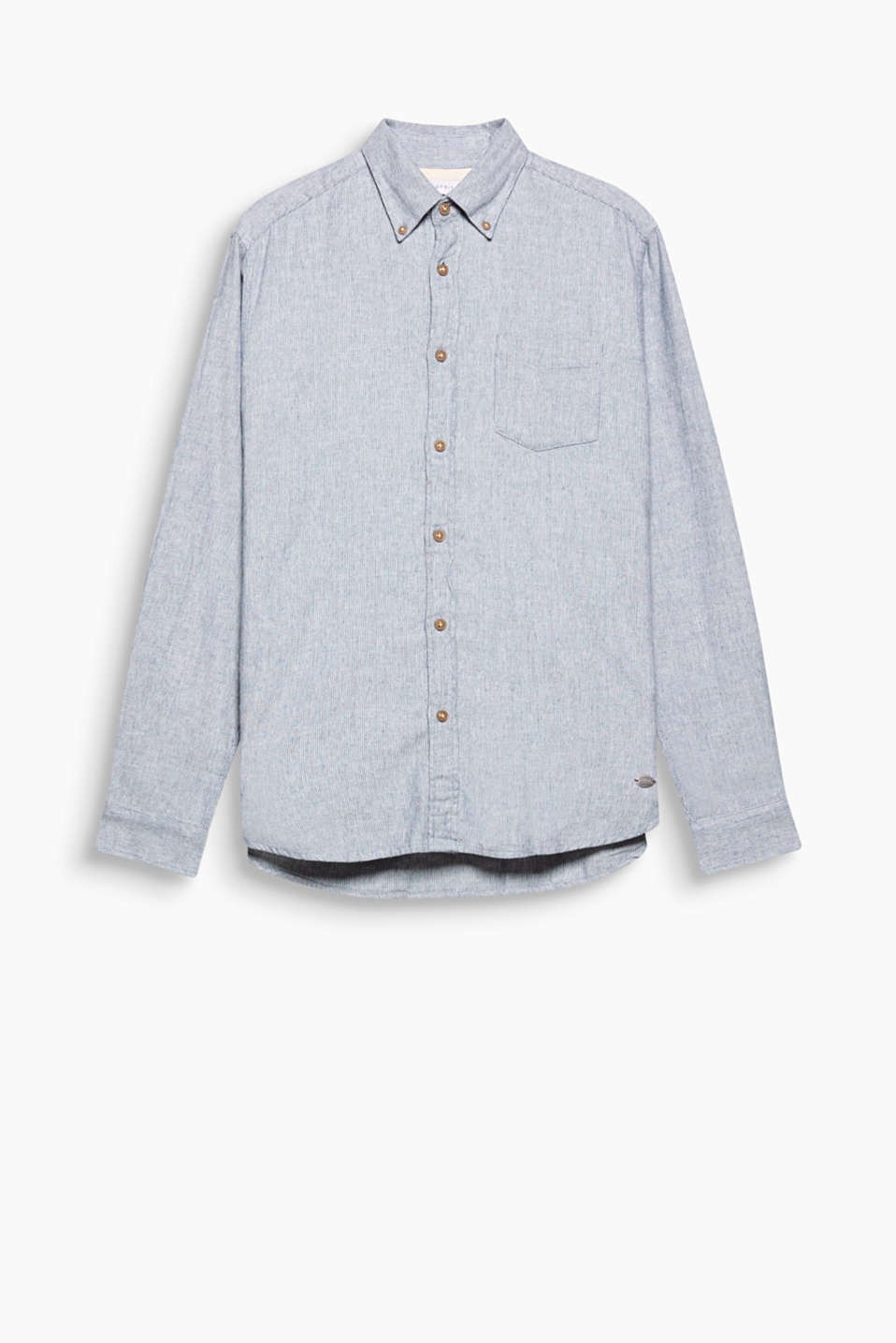 Button-down collar and an interwoven herringbone pattern make this shirt a fine casual style.