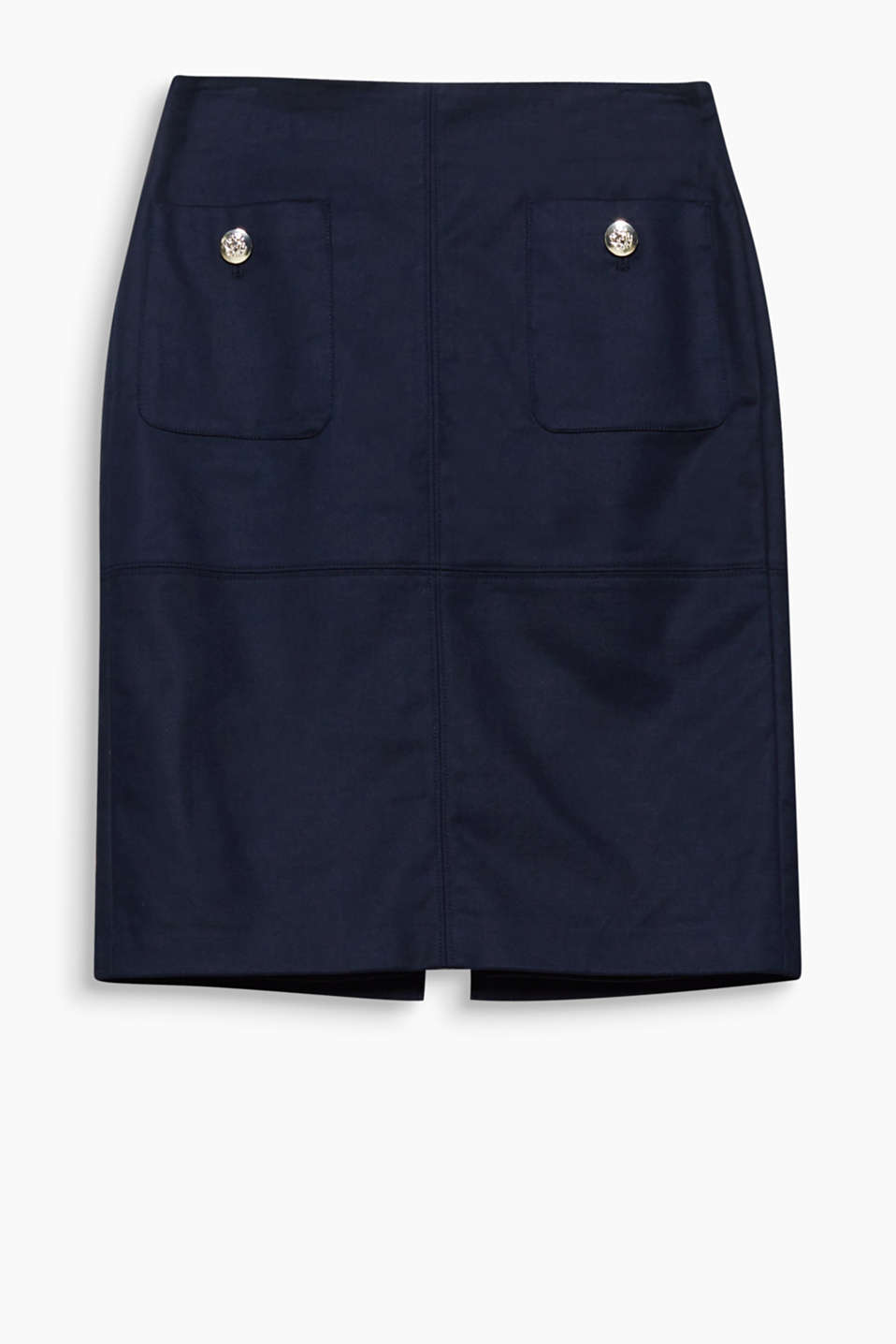 A comfortable classic! Pencil skirt made of stretch cotton with large front pockets and distinctive buttons.