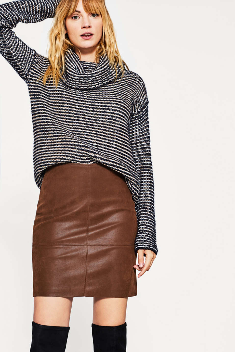 Esprit - Faux leather mini skirt