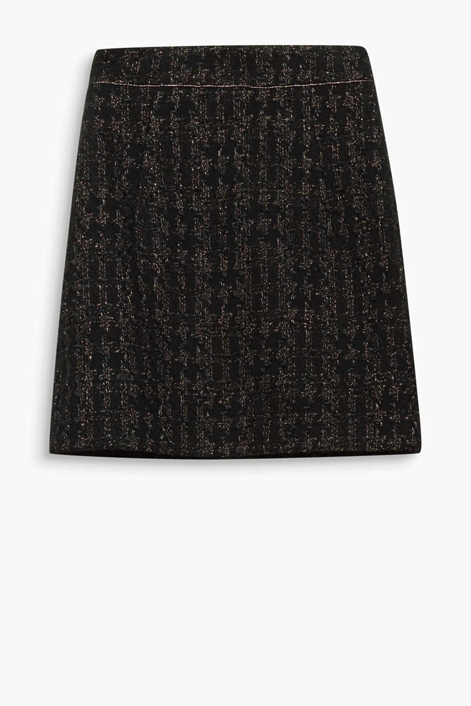 Wintry luxury look: this mini skirt in bouclé yarn surprises with glittery lurex effects!