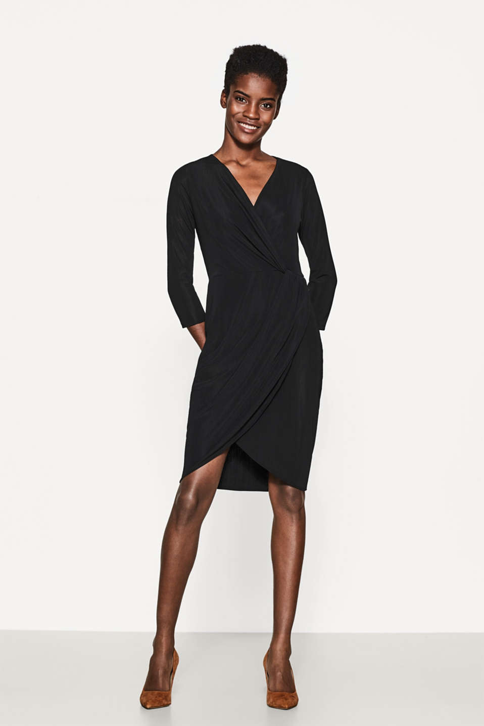 Esprit - Textured jersey dress in a wrap-over effect