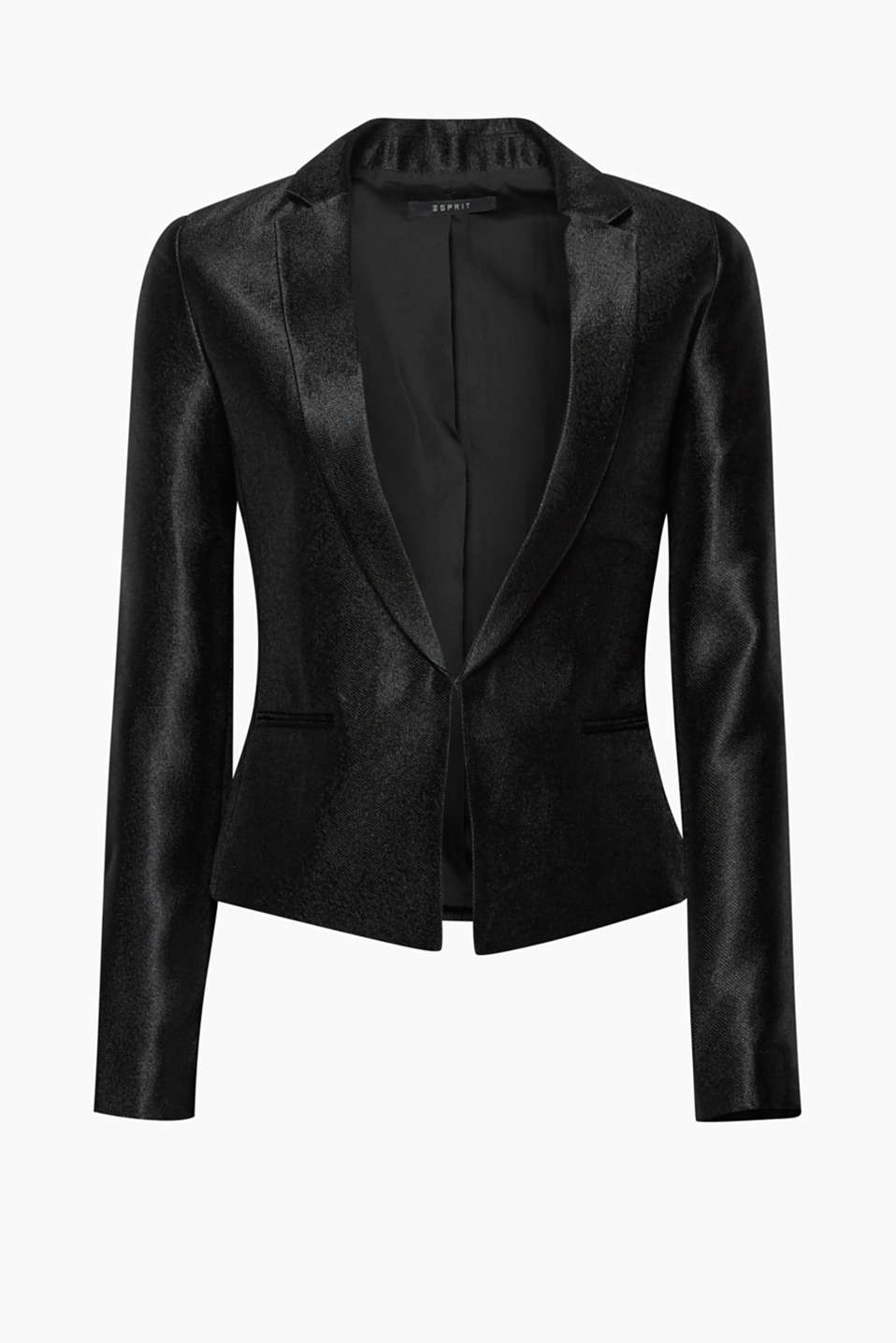 Smart and shiny: this short, fitted blazer featuring a finely ribbed texture guarantees a glittering entrance!