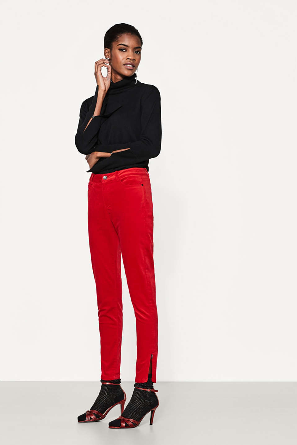 Esprit - Velvet stretch trousers, five-pocket style