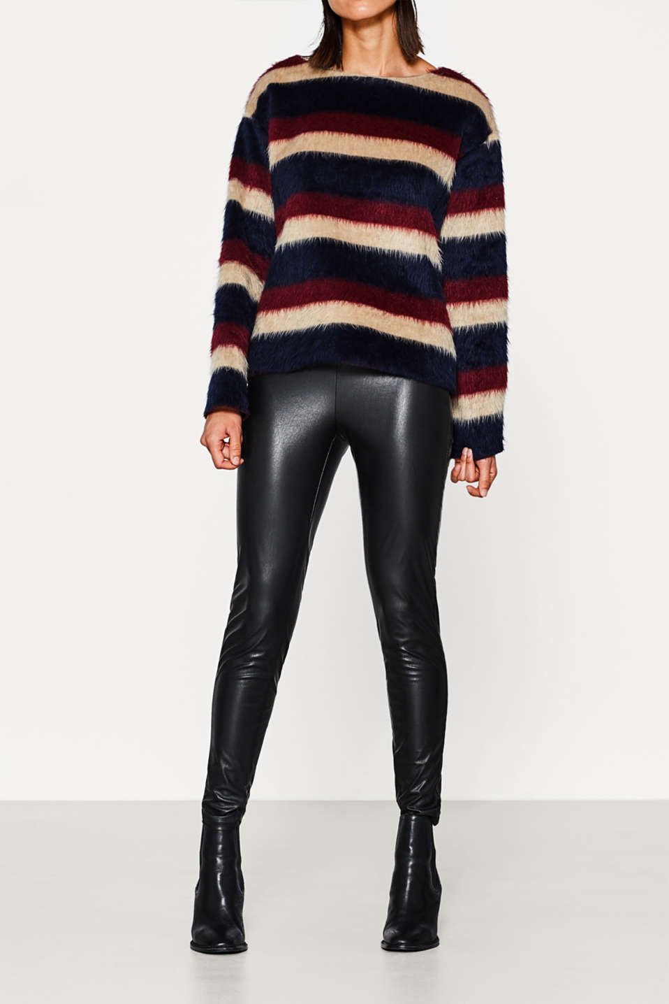 Esprit - Skinny faux leather trousers