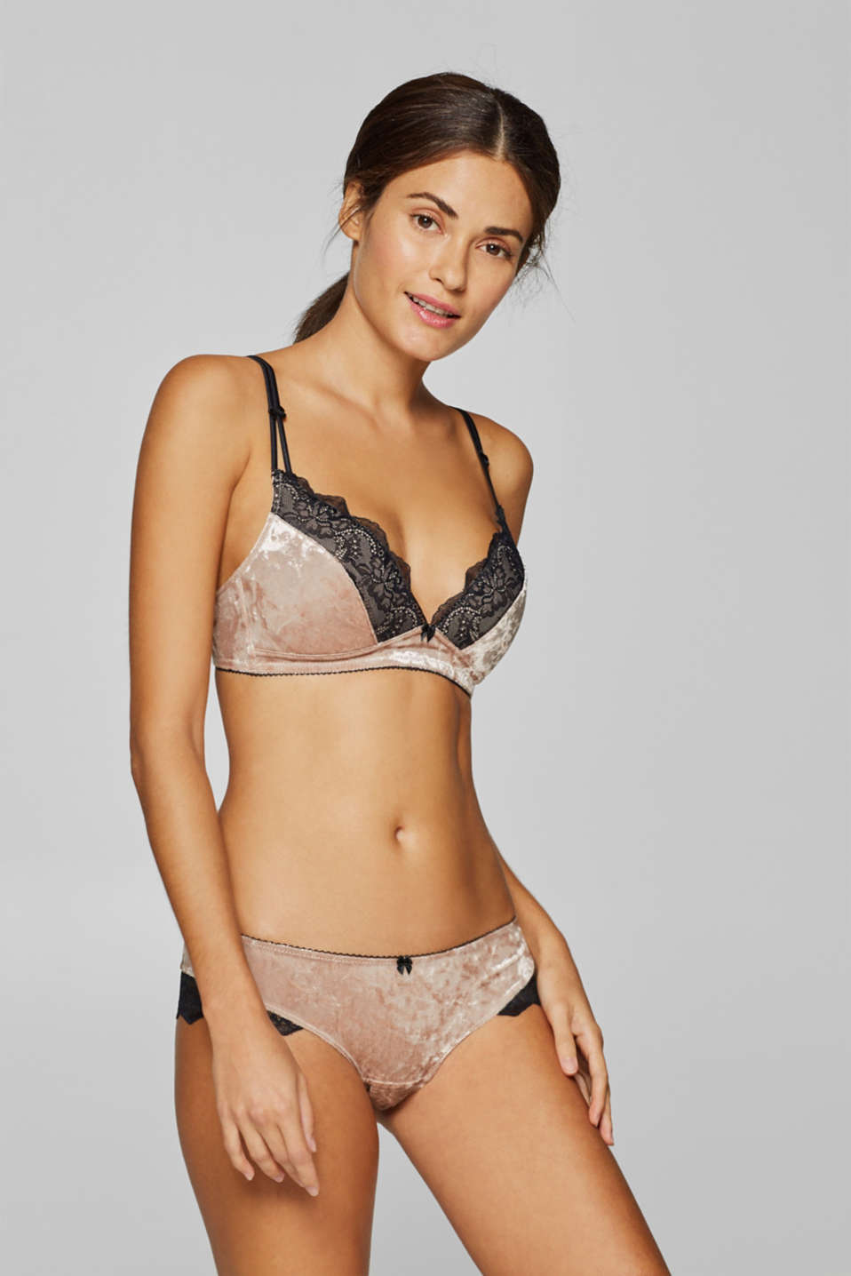 edc - Padded underwire bra made of velvet and lace