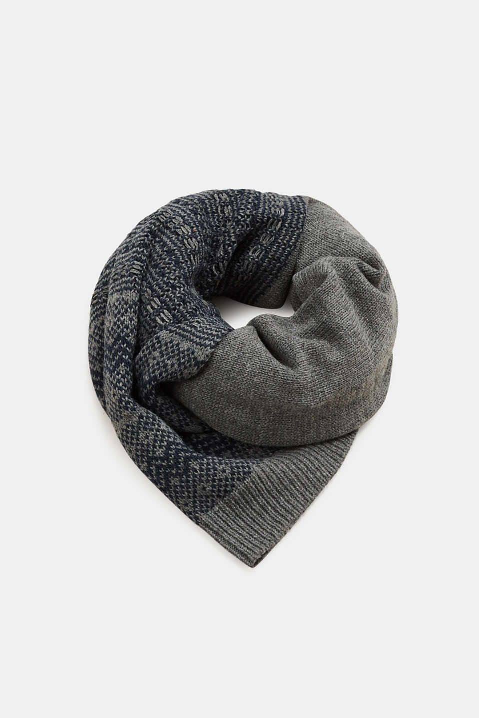 Esprit - Knitted scarf with textured pattern