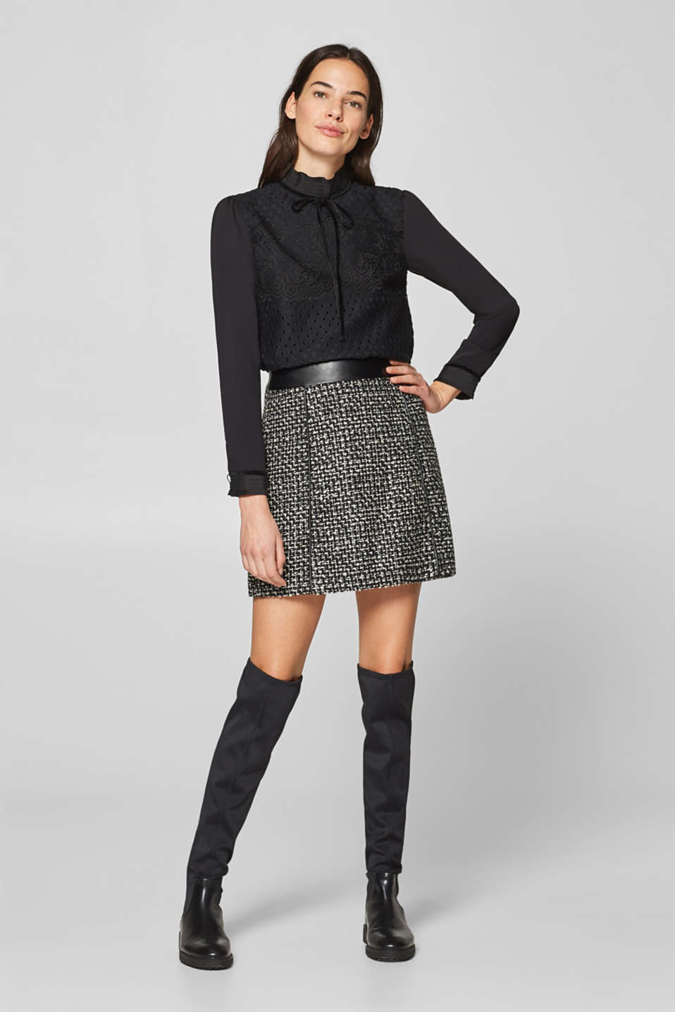 Esprit - With wool: bouclé skirt with faux leather
