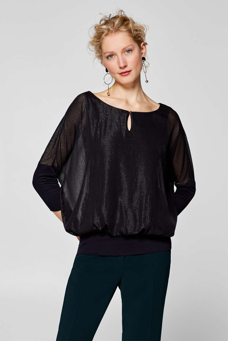 Esprit - Blouse with velvety dots and batwing sleeves