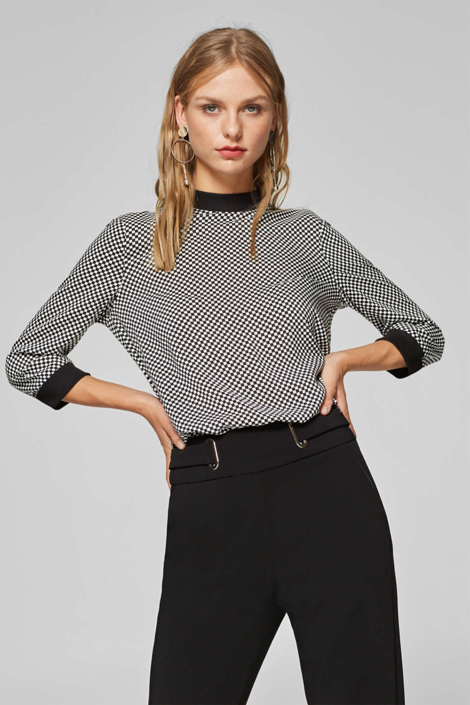 Esprit - Blouse with a checkerboard pattern and knit borders