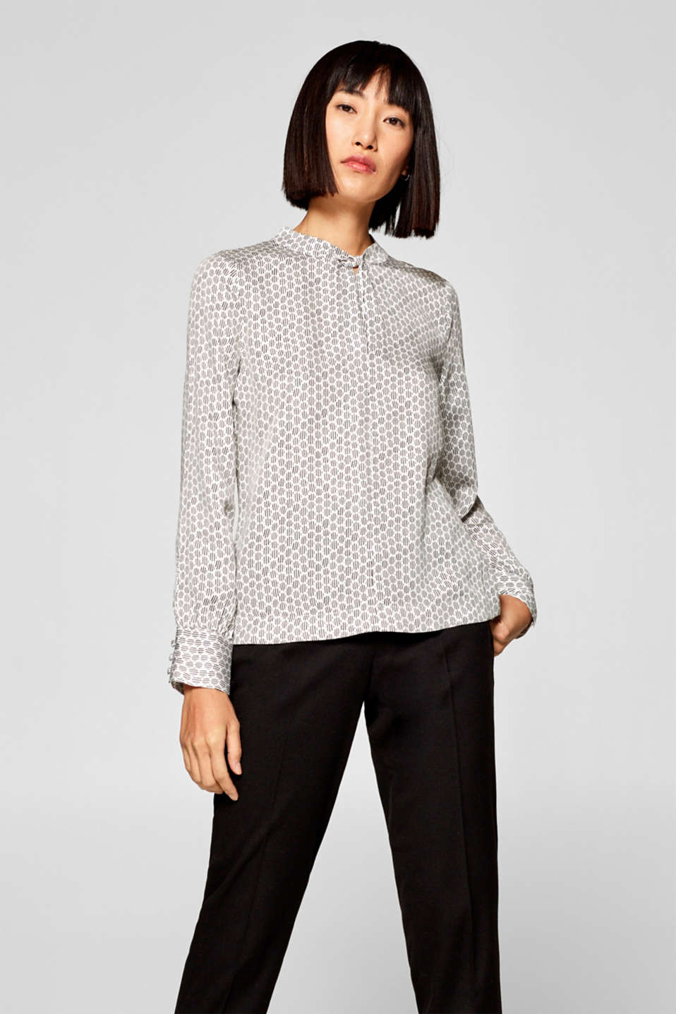 Esprit - Blouse with a geometric print and band collar