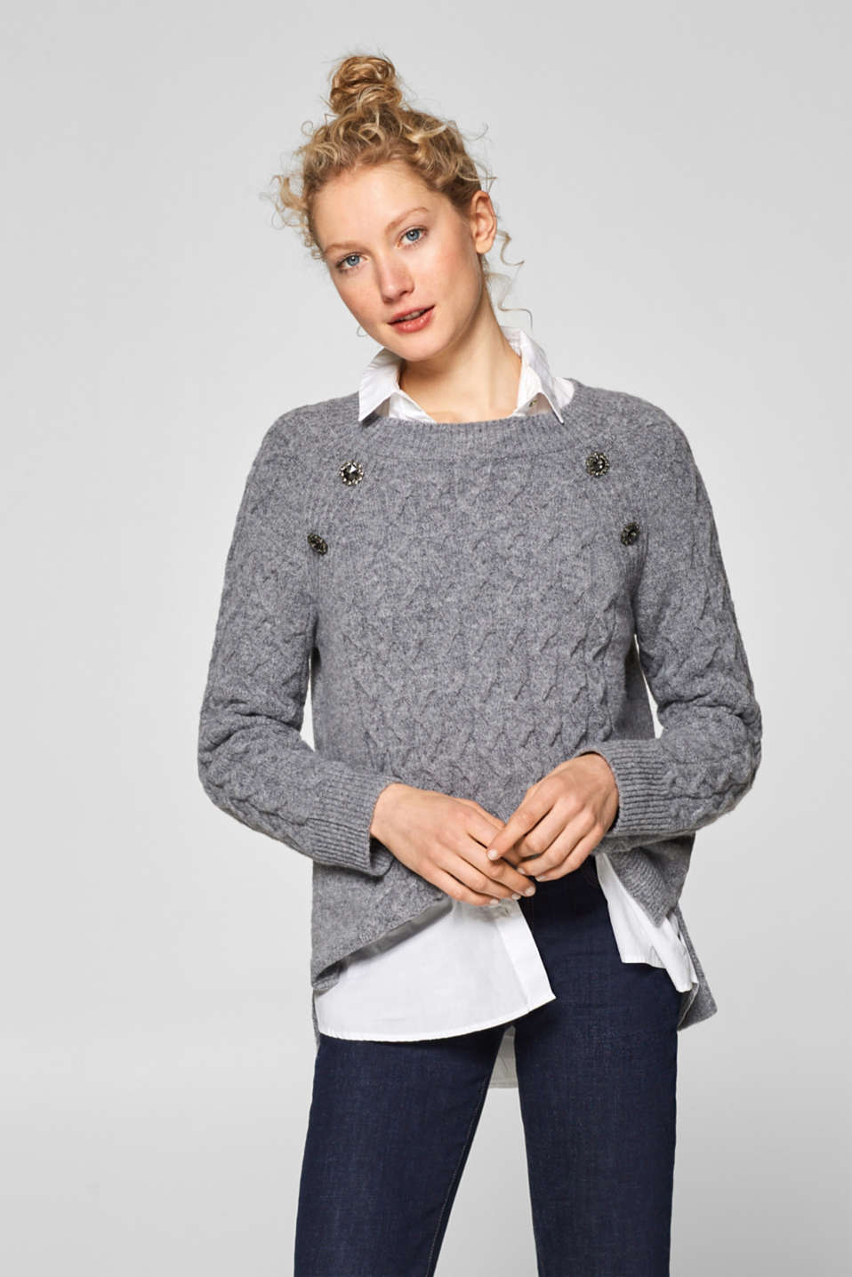 Esprit - With wool: jumper with decorative buttons