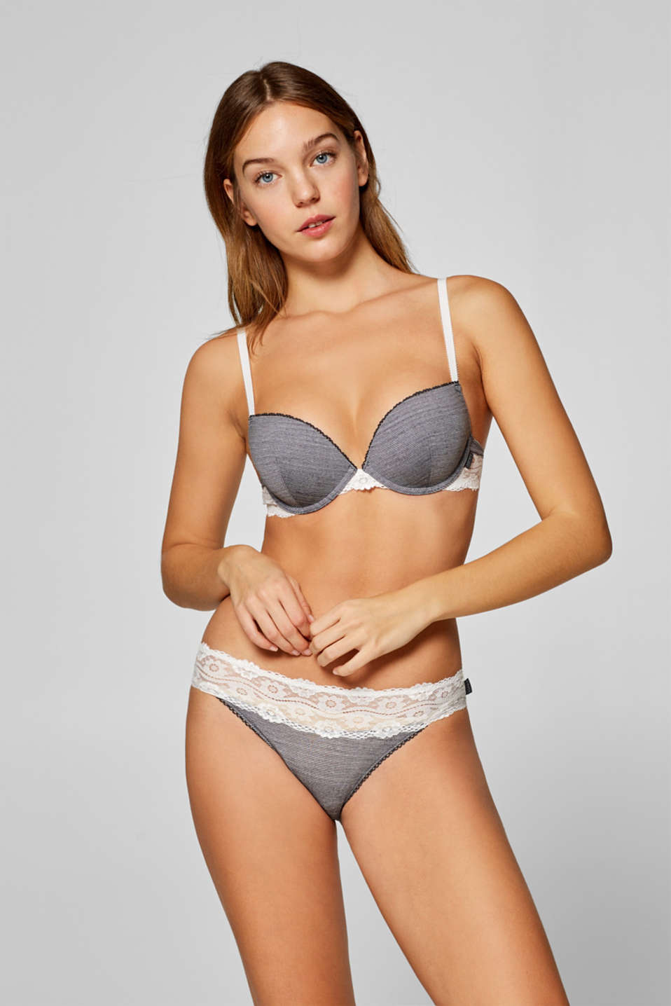 Esprit - Hipster briefs with stripes and a lace waistband