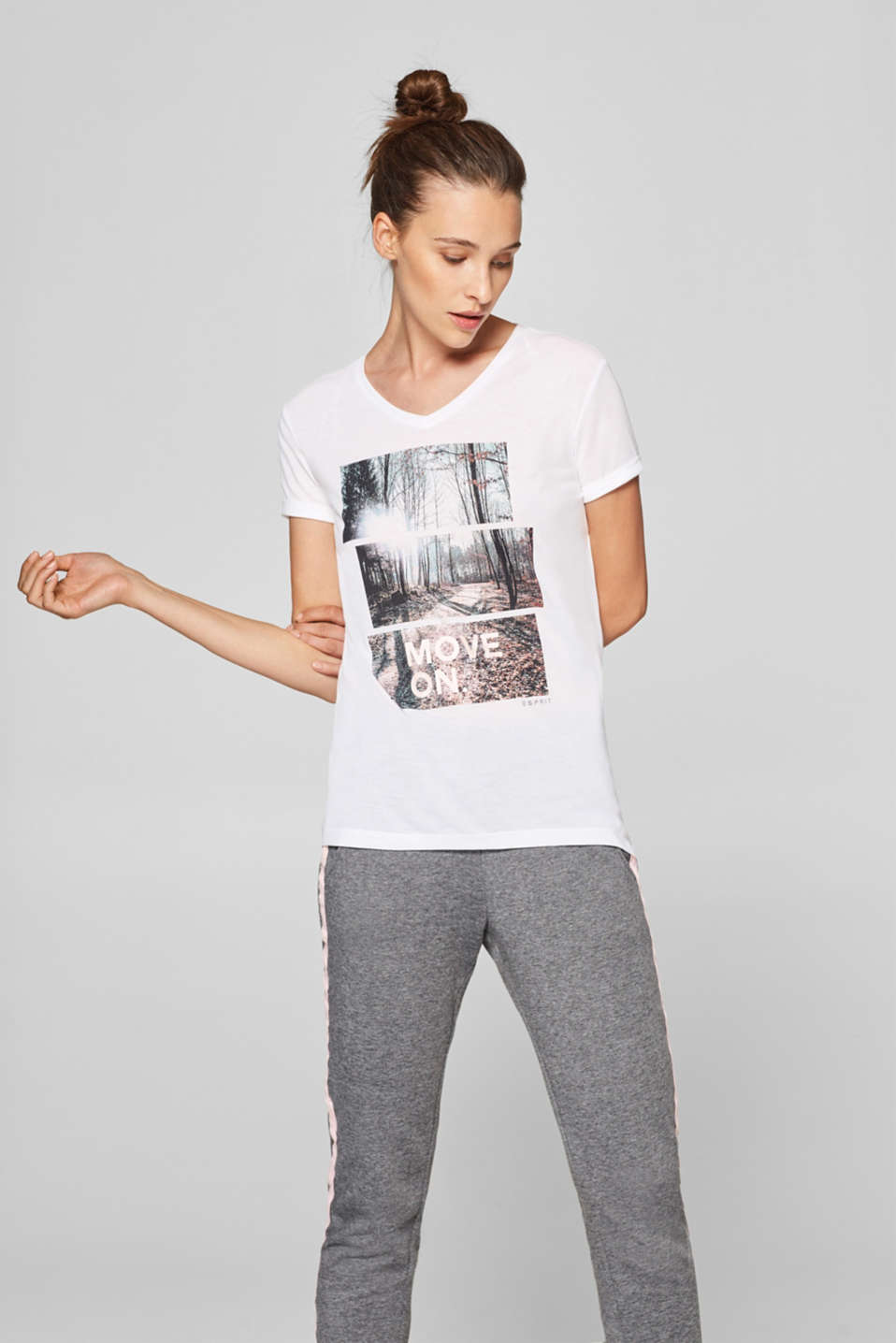 Esprit - Long top with a V-neckline and photo print