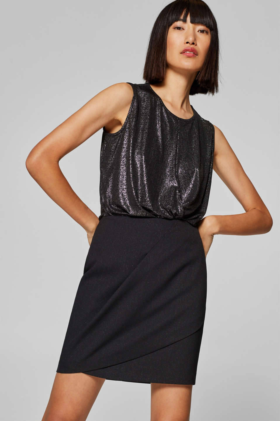 Esprit - Crêpe mini skirt with subtle glitter
