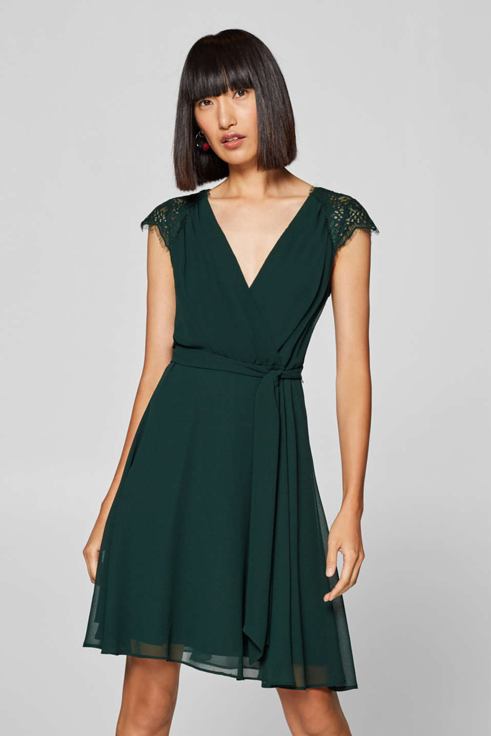 Esprit - Chiffon-Kleid mit Spitze im Online Shop kaufen