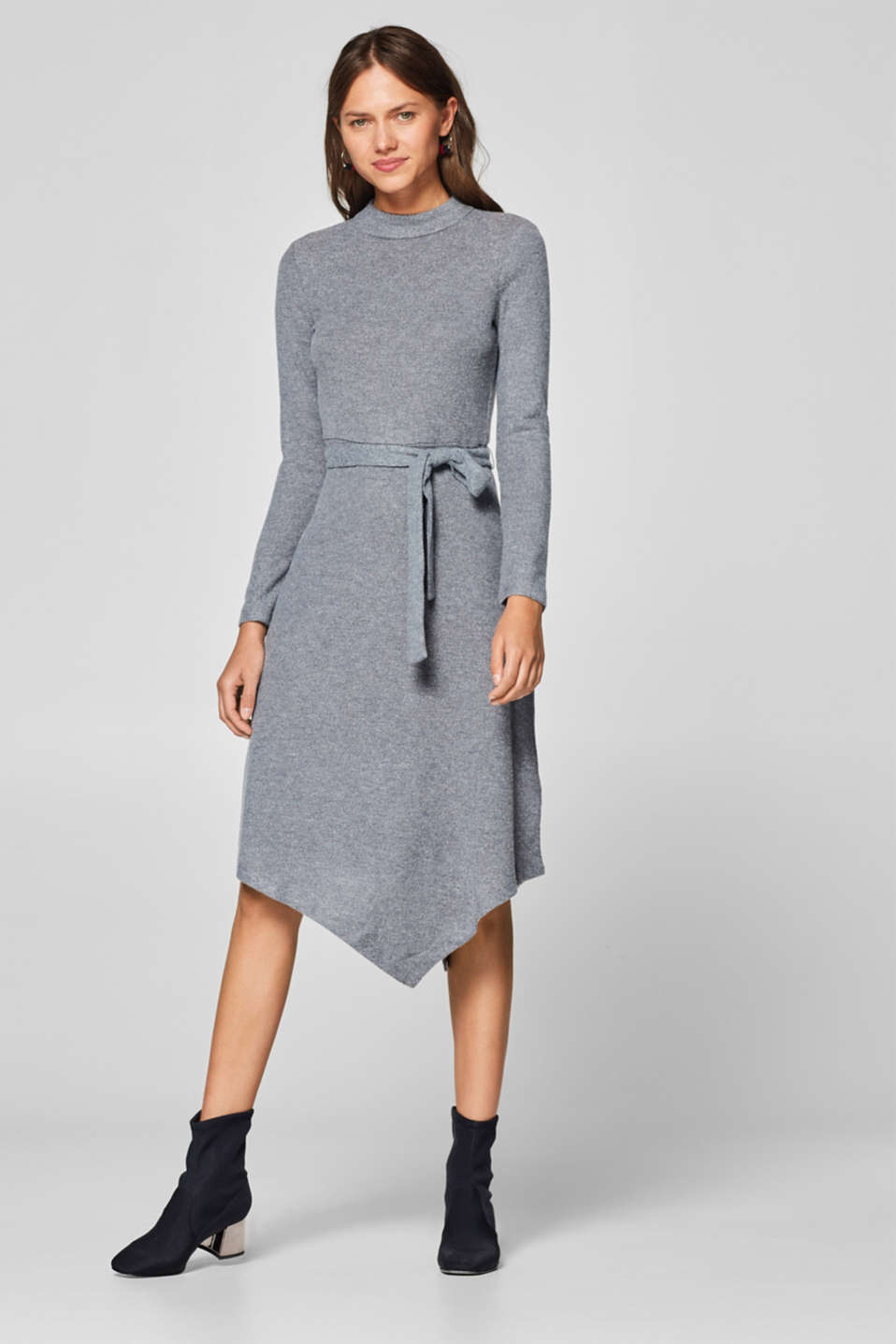 Esprit - Stretch jersey dress with an asymmetric hemline