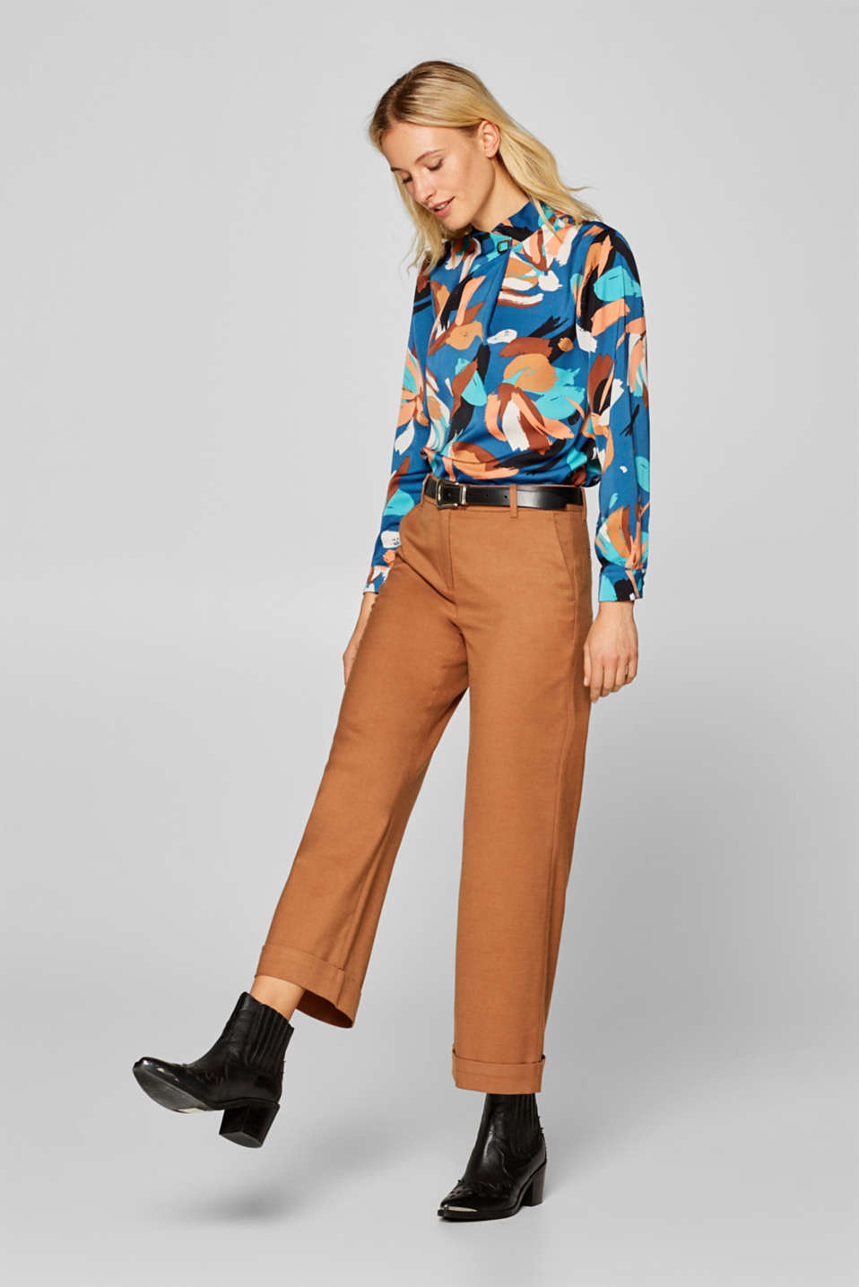 Esprit - Abstract print blouse with a decorative clip
